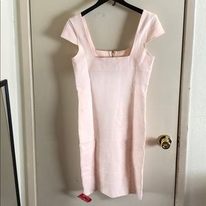 Baby pink fitted dress with zipper